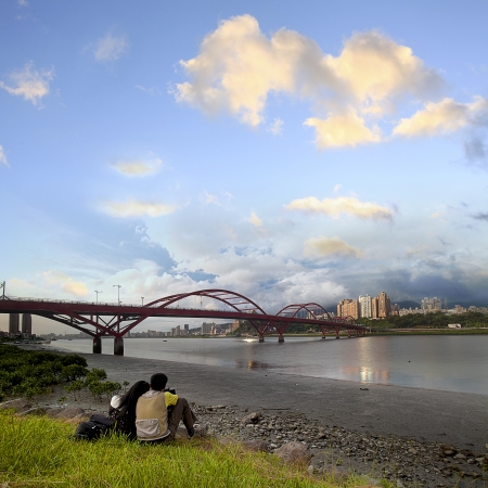 Beautiful river and bridge in Taipei city for adv or others purpose use Stock Photo - 19459997