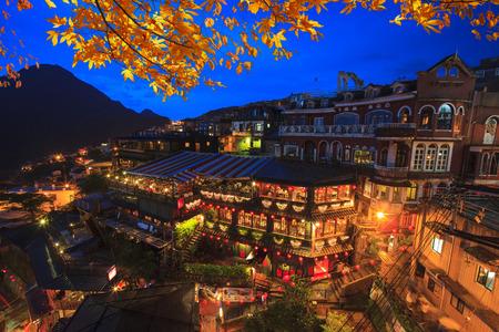 九フン、台湾の最も有名な観光名所の丘の中腹店。