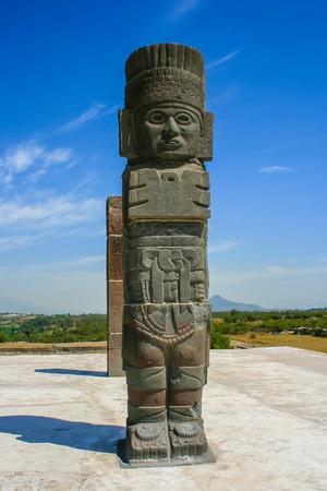 atlantes: Toltec sculptures