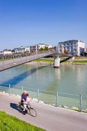 urban life: La vida urbana: Salzburg, Austria