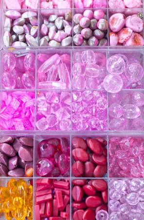 sunday market: Perlas y piedras en los cuadros de un tailand�s el domingo mercado Chatuchak. Bangkok. Tailandia