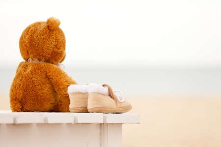 soltería: La soledad y osito bebé Foto de archivo