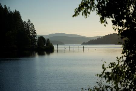 d: Coeur d Alene lake at dusk