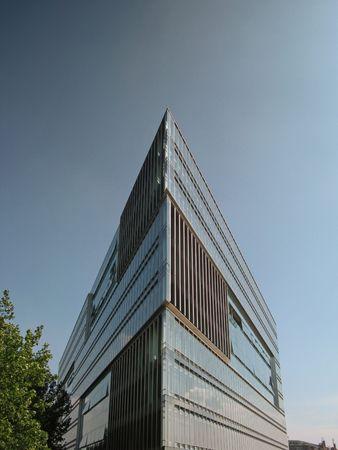 futuristically: Architektur Glasgebäude hamburger Hafen