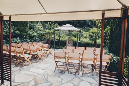 wooden chairs Standard-Bild