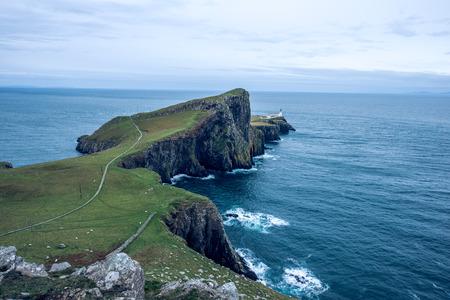 Point de phare point de vue sur l & # 39 ; île de skye Banque d'images - 98383307