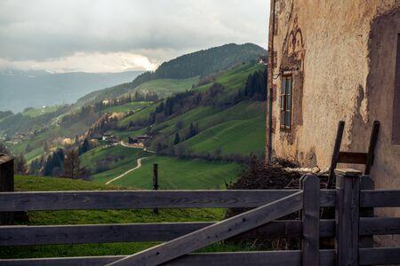 Une vallée en suisse Banque d'images - 98383612