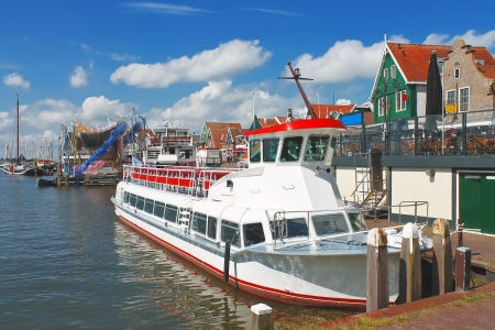 volendam: Tourist boat in the port of Volendam. Netherlands