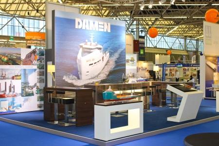 expositor: P�rese Damen empresa de construcci�n naval en la exposici�n offshore Energy 2012. Pa�ses Bajos