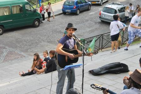 busker: Street musicians on Montmartre. Paris. France Editorial