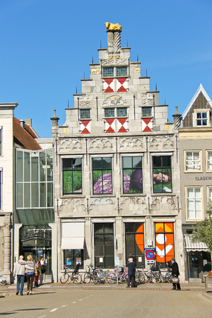 dordrecht: DORDRECHT, THE NETHERLANDS - SEPTEMBER 28: People on the street on September 28, 2013 in Dordrecht, Netherlands