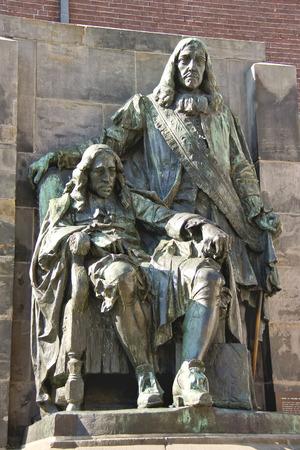 dordrecht: DORDRECHT, THE NETHERLANDS - SEPTEMBER 28: Monument to Johan end Cornelius de Witt on September 28, 2013 in Dordrecht, Netherlands