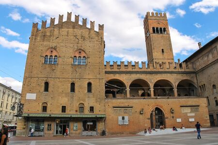 enzo: Bologna, Italy - August 18, 2014: People in the square near the Palace of King Enzo (Palazzo Re Enzo) in Bologna, Italy