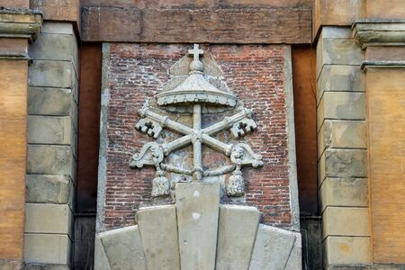 bas: Coat of arms on the ancient gate Galliera (Porta Galliera) in Bologna, Italy