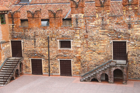 juliets: In the courtyard of Juliets house. Verona, Italy Editorial