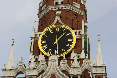 spasskaya: Clock on the Moscow Kremlin tower spasskaya