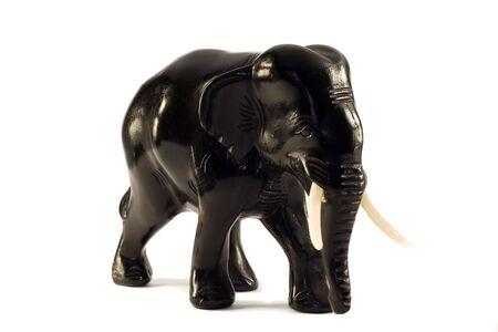 bois �b�ne: statue de l'�l�phant en �b�ne noir isol� sur blanc