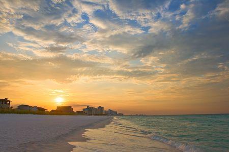 zonsopgang onder Atlantische Oceaan kust, strand van Destin, Florida, USA