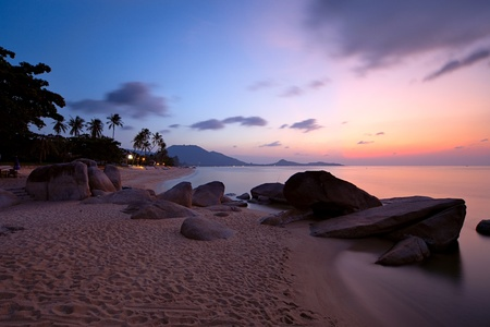 koh: Amanecer en la playa Lamai, isla de Koh Samui, Tailandia  Foto de archivo