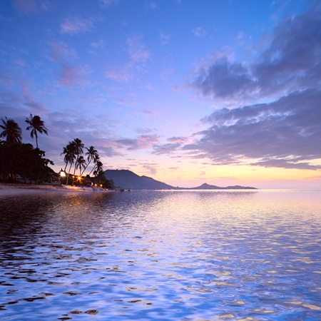 koh: Salida del sol en la playa tropical, Isla de Koh Samui, Tailandia