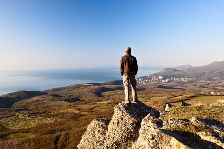 Man op de top van de berg Stockfoto - 14127265