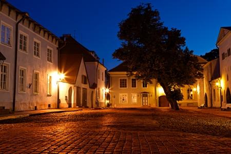 Oude Europese straat 's nachts Stockfoto