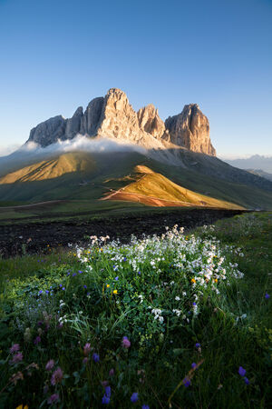 Sassolungo bergtoppen bij zonsopgang, Italiaanse Dolomieten