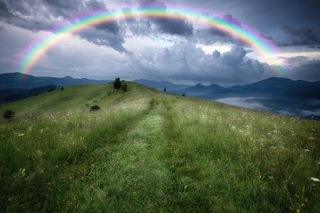 Bergen landelijk landschap regenachtige landschap Stockfoto
