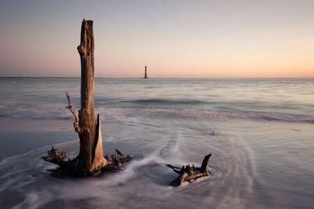 morris: Morris Island Faro all'alba, South Carolina, Stati Uniti d'America