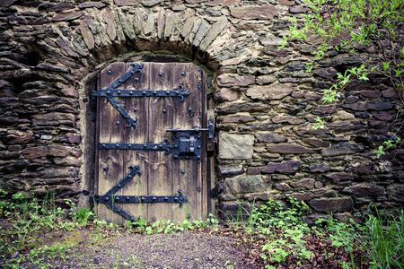 Traditionele houten deur kasteel
