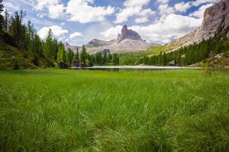 Alpine mountain summer lake. Dolomites Alps, Italy Banco de Imagens