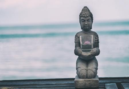 Buddha Statue Near The sea. Spa. Zen Archivio Fotografico