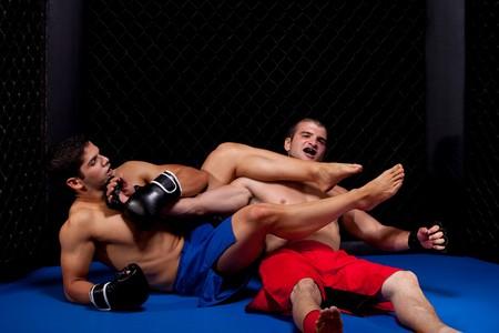 artes marciales: Artistas marciales mixtos combates