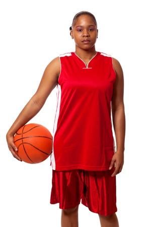mujer deportista: Jugador de baloncesto femenino. Estudio de disparo sobre el blanco.