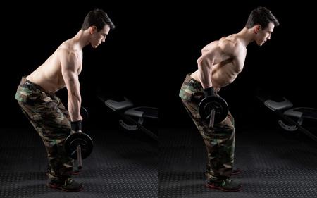 hilera: Barra de pesas se inclinó sobre el ejercicio fila. Foto de estudio sobre negro. Foto de archivo