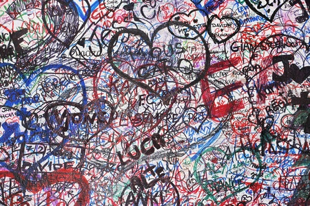 names: Wall of love in Verona