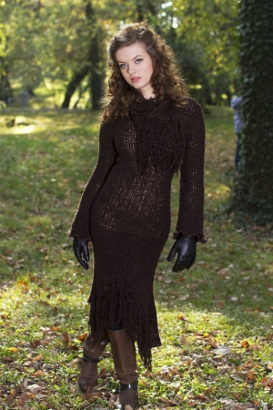 autum: Fashion girl in nature