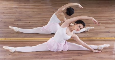 gym dress: Young ballerina woman training