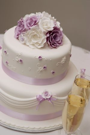 icing: wedding cake