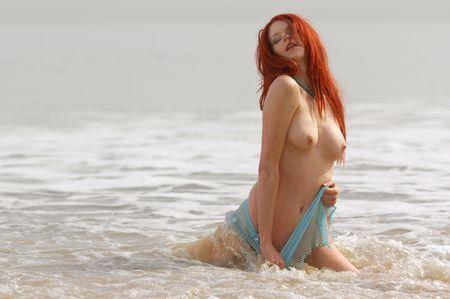 erotic fantasy: Sexy beach girl