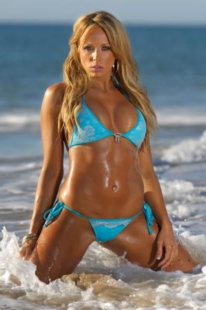 Chica sexy bikini  Foto de archivo - 6697581