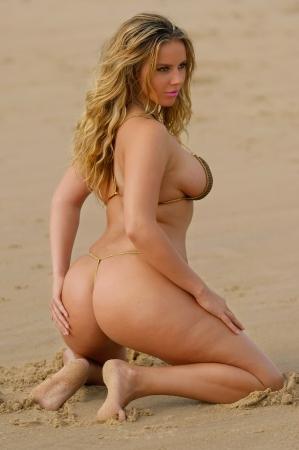 alluring: Sexy bikini girl