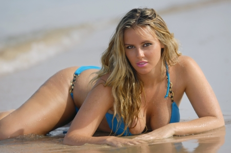 blonde bikini: Beautiful beach bikini girl