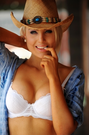 country girl: Sexy cowgirl