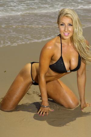 bare girl: Sexy beach bikini girl