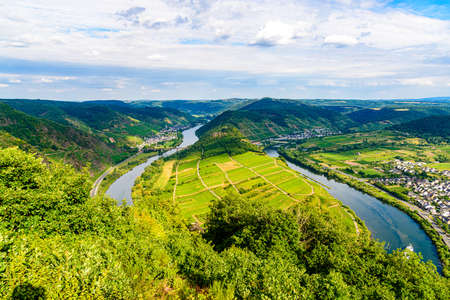 Loop of Bremm from Calmont on the romantic Moselle, Mosel river. Panorama view. Rhineland-Palatinate, Germany Banco de Imagens