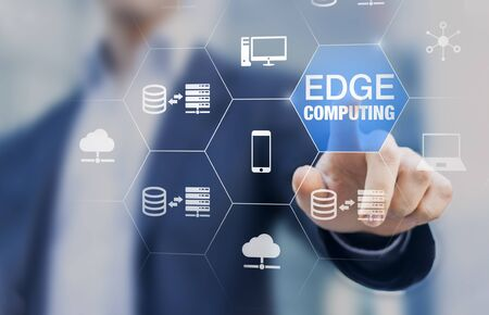 Tecnologia edge computing con rete distribuita che esegue calcolo e archiviazione dati vicino all'utente anziché nel cloud, servizio Internet per IoT, gamelet e riconoscimento AI, concetto