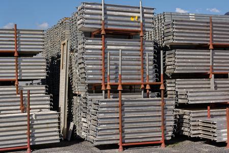 Ring lock scaffolding, construction equipment