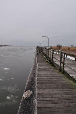 freezing: Freezing Pier