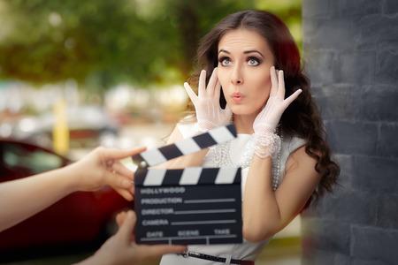 驚く女優の撮影の映画のワンシーン 写真素材